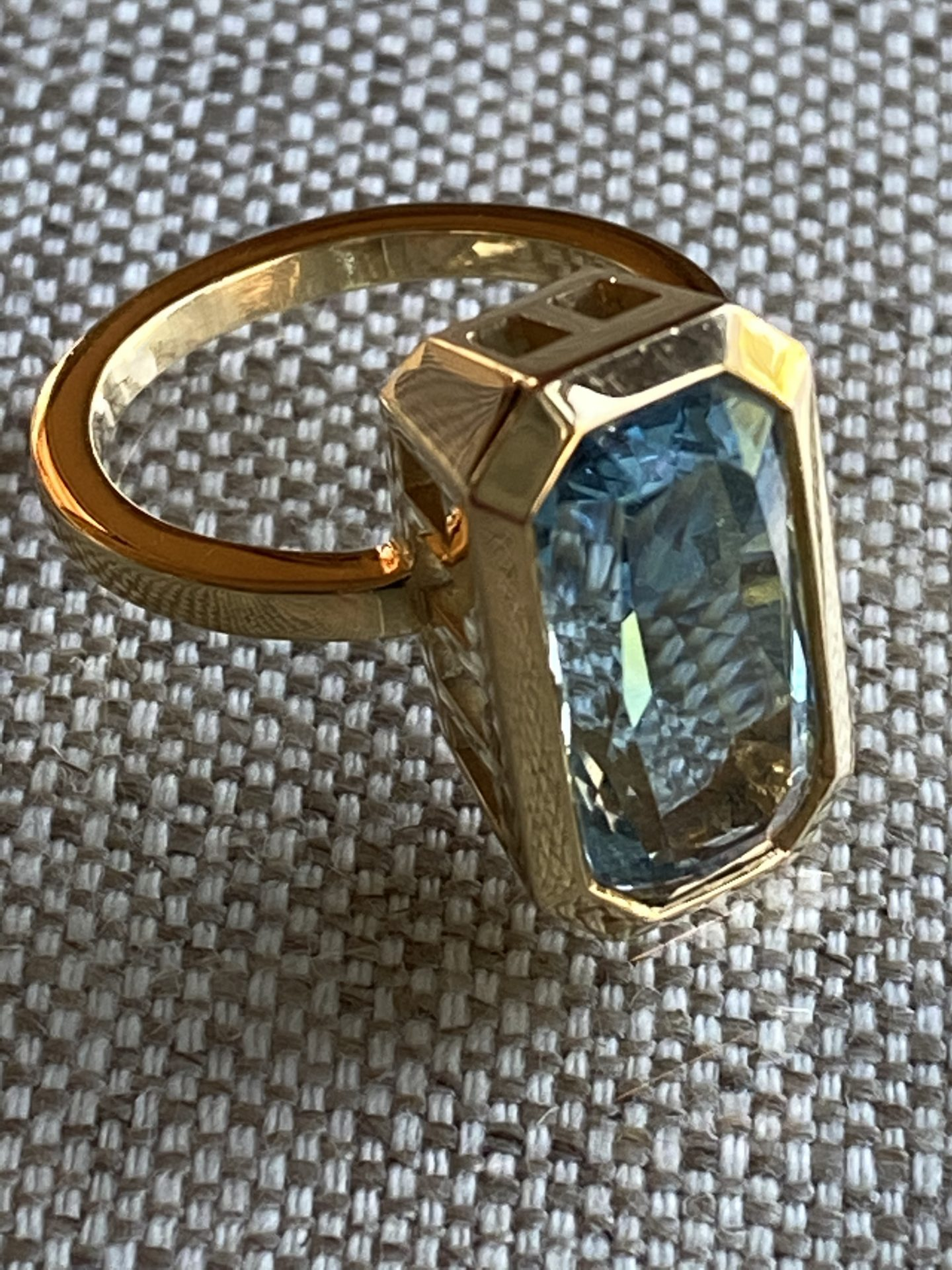 Aquamarine Colonnade Ring