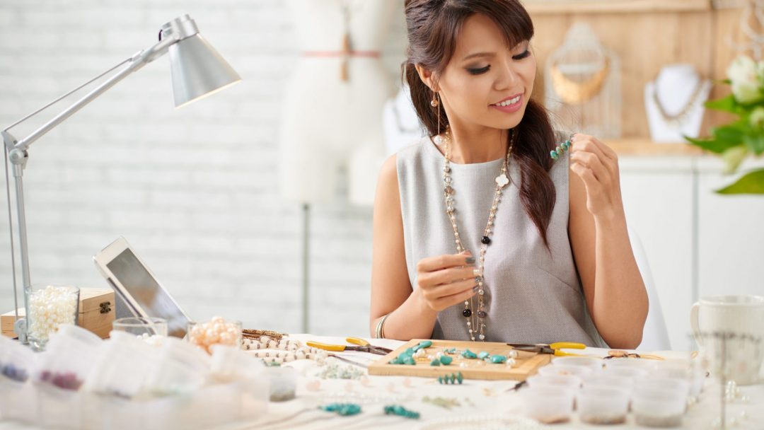 What Are the Benefits of Jewelry Made by Hand?